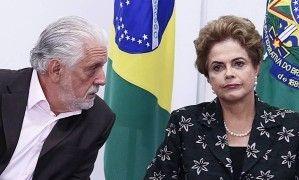 Dilma Rousseff e Jaques Wagner, reunião para discutir primeiro encontro do novo Conselhão (Foto: Jorge William / Agência O Globo)