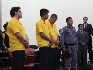 Autores do triplo homicídio receberam a sentença na manhã desta sexta-feira (22) (Foto: Marcos Dantas/G1 AM)