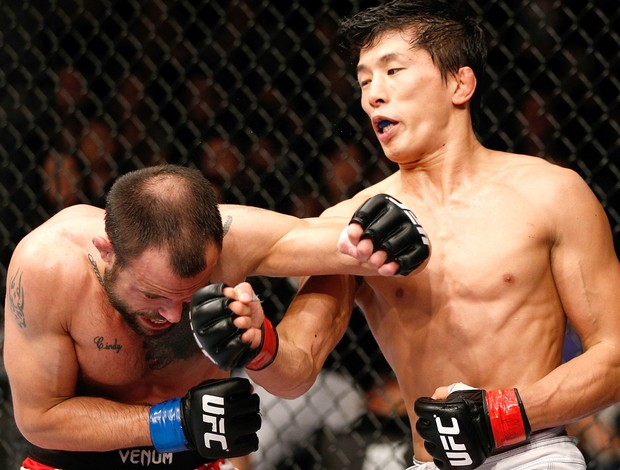 Mizugaki v Hougland, UFC Macau (Foto: Getty Images)