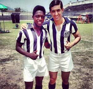 Bastidores filme pelé Kevin de Paula (Pelé) com Diego Cunha (Zito) (Foto: Reprodução / Instagram)