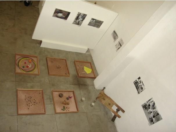 Museu da Maré reproduz cenários das favelas e expõe objetos e fotografias relacionados a 12 temas marcantes para as comunidades (Foto: Divulgação / Arquivo Orosina Vieira - Museu da Maré - Ceasm)
