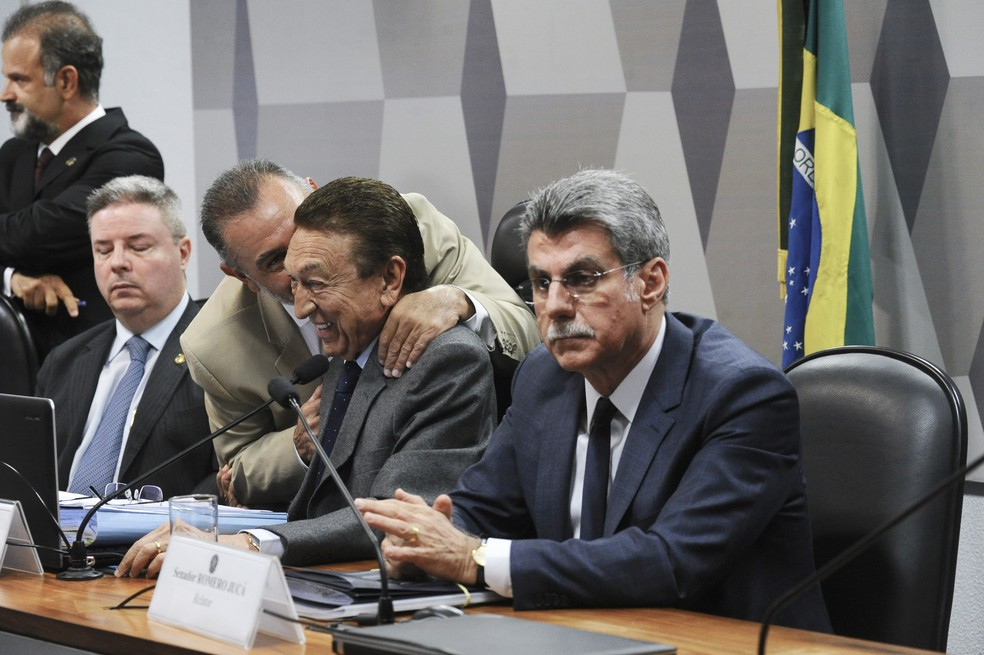 Relator Romero Jucá durante sessão da CCJ sobre a reforma trabalhista (Foto: Geraldo Magela/Agência Senado)