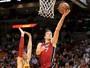 Cavs poupam LeBron e Kyrie, reservas sofrem, e Heat ganha fácil em Miami