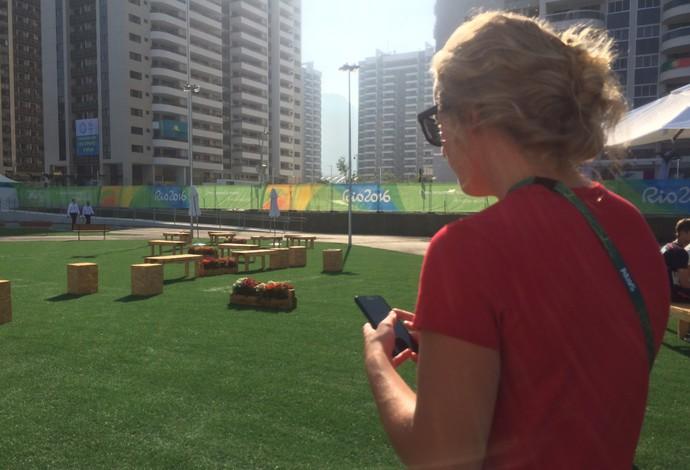 Abby Johnston, saltos ornamentais, Pokémon Go, Vila Olímpica (Foto: Matheus Tibúrcio)
