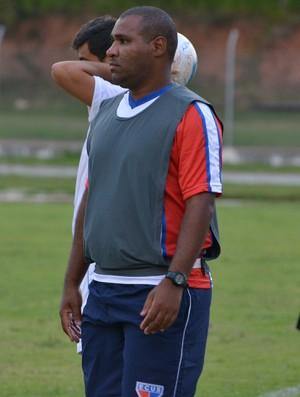 Cícero Silva técnico Ecus (Foto: Cairo Oliveira)