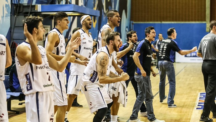 Pinheiros x Bauru comemoração (Foto: Caio Casagrande / Bauru Basket)