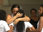 Em clima de emoção e revolta, corpo de Ryan é enterrado em Irajá, no Rio