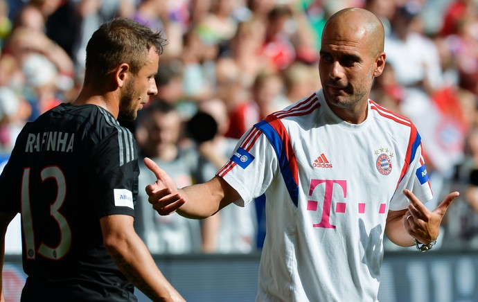 Rafinha e Guardiola, Bayern de Munique (Foto: AFP)