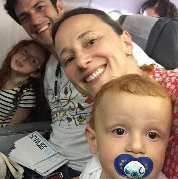 Mateus Solano com Paula Braun e os filhos (Foto: Reprodução/Instagram)