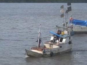 Destroços foram achados por pescadores na costa do Amapá (Foto: Reprodução/TV Amapá)