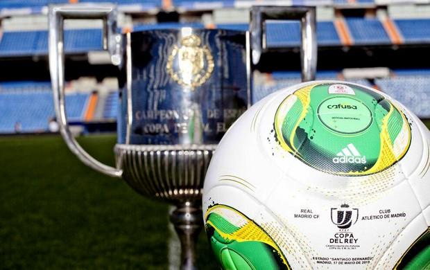 Bola final da copa do rei real madrid versus atlético de Madri (Foto: Reprodução / Twitter)