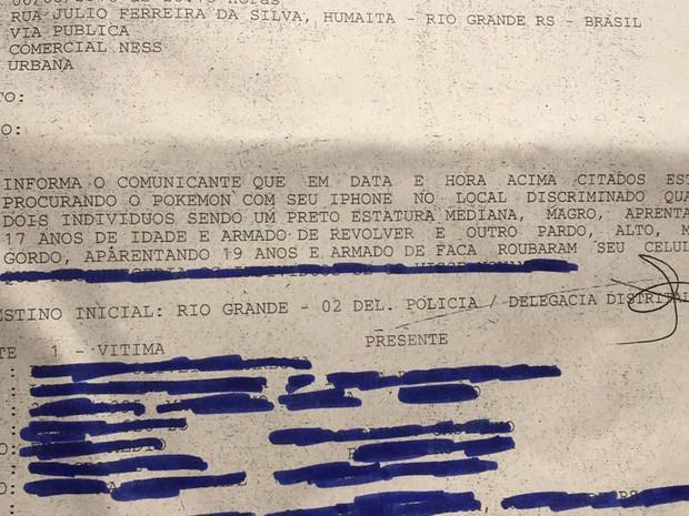 Boletim de ocorrência registrado pela vítima após o roubo do celular (Foto: Mauricio Gasparetto/RBS TV)