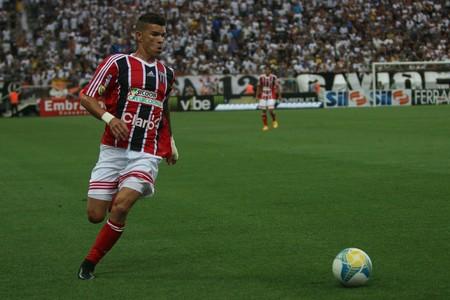 Rodrigo Andrade, meia do Botafogo-SP (Foto: Rogério Moroti/Ag. Botafogo)
