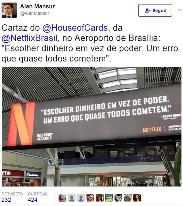 Anúncio de House of Cards no aeroporto  (Foto: Reprodução/Twitter)