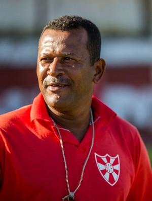 Nilton Martins treinou Marinho na base do Penedense (Foto: Jonathan Lins / GloboEsporte.com)