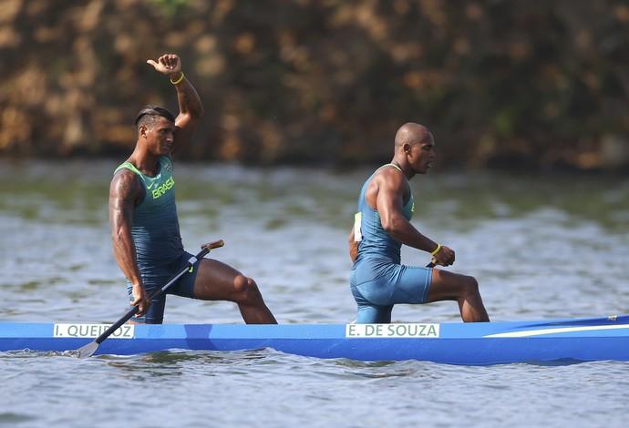 Isaquias Queiroz e Erlon de Souza canoagem dupla 1.000m Rio 2016 (Foto: Reuters)