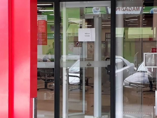 Quadrilha rende funcionários e rouba R$ 200 mil de banco em Bom Jesus dos Perdões (Foto: Lucas Rangel/TV Vanguarda)