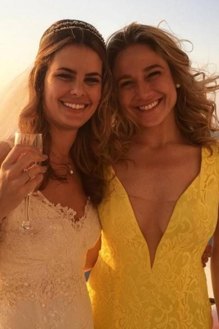 Fernanda Gentil e a noiva (Foto: Reprodução/Instagram)