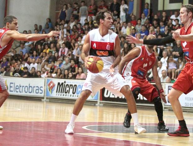 Basquete, Flamengo e Tijuca (Foto: Fernando Azevedo / FlaImagem)