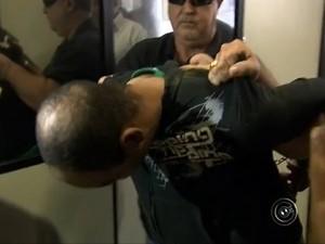 'Maníaco da faca' foi preso nesta segunda-feira (18), após outro ataque (Foto: Reprodução TV TEM)
