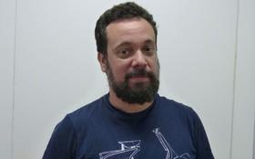 Conheça Marcio Vito, o Axel, dono da oficina onde Vitor começa a trabalhar