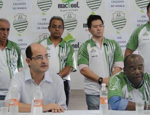 André Oliveira e o presidente da Francana, Fahim Youssef Neto (Foto: João Fagiolo / Globoesporte.com)