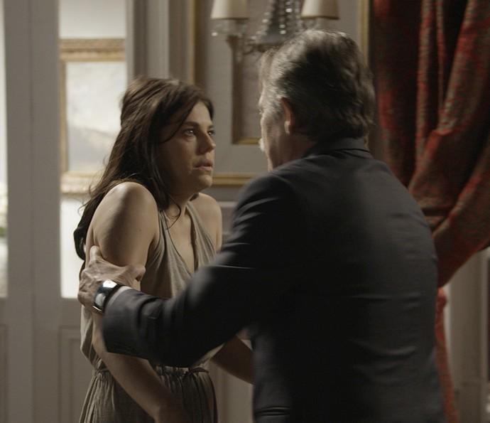 Gibson está disposto a internar a filha novamente (Foto: TV Globo)