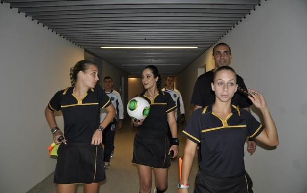 Maira Ana Paula Oliveira Nadine Maracanã entrada (Foto: Arquivo pessoal)