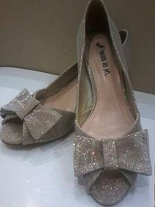 Dica para as mais ousadas: usar este sapato com bolsa pink (Foto: Arquivo pessoal/Regina Silveira)