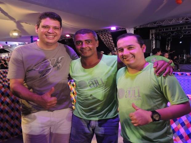 Romário e os deputados federais por Sergipe Márcio Macedo e Valadares Filho (Foto: Denise Gomes/G1 SE)
