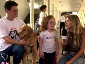 Ana e sua cadelinha Tiffany (Foto: TV Globo)