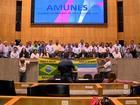 Prefeitos de 61 municípios do ES protestam em Vitória