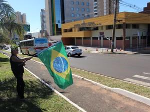 Advogada Aida Domingos é veterana em manifestações (Foto: Hélder Rafael)