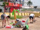 Manifestantes fazem churrasco em obra parada do VLT em Cuiabá