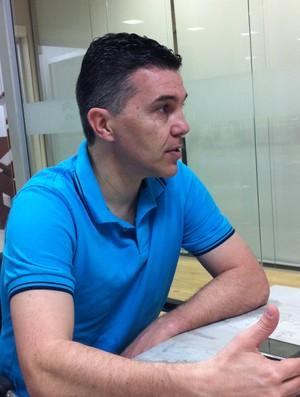 Marcos Sorato, o Pipoca, técnico da seleção brasileira de futsal (Foto: Renan Koerich, globoesporte.com)