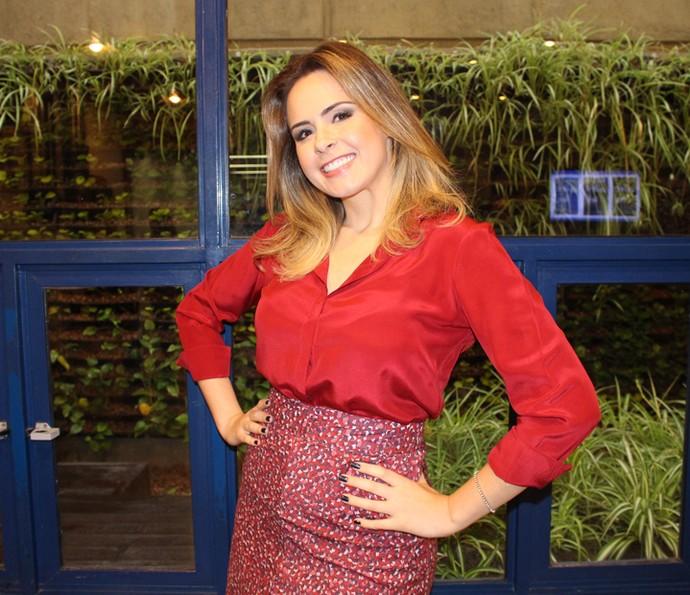 Ana Paula posa pronta para entrar em cena (Foto: Thaís Meinicke/Gshow)