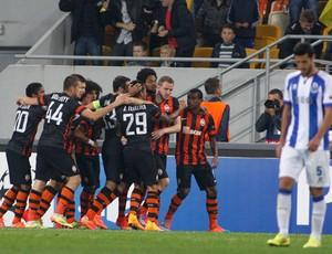 Shakhtar x Porto - Luiz Adriano comemora gol (Foto: Reuters)