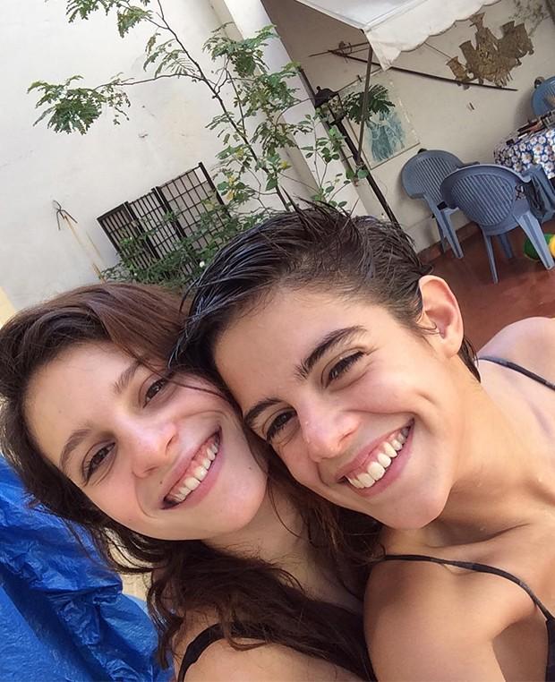 Lara Tremouroux e a namorada Bia Novaes (Foto: Foto: Reprodução Instagram)