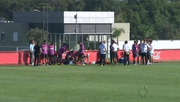 Com Adriano e técnico estrangeiro, Atlético está pronto para a primeira fase da Libertadores (Foto: Reprodução)