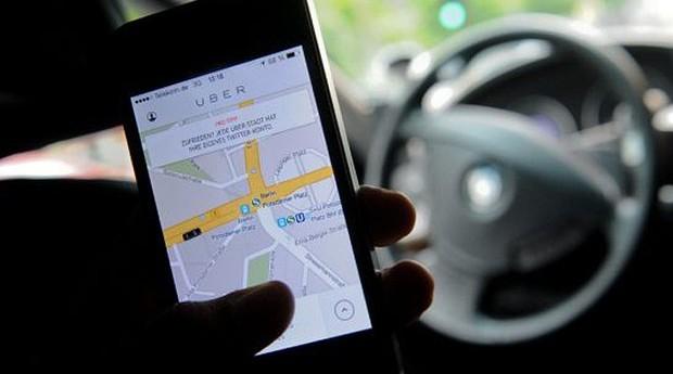 epoca-negocios-com-as-novas-opcoes-de-transporte-carro-e-taxi-perdem-competitividade (Foto: Editora Globo)
