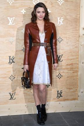 Miranda Kerr em evento de moda em Paris, na França (Foto: Gabriel Bouys/ AFP)