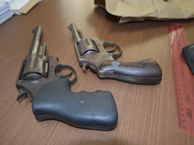 Segundo polícia, armas estavam com menores (Foto: Adelcimar Carvalho/G1)
