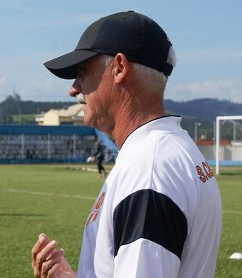 Luiz Muller técnico Atibaia (Foto: Fabio Gianelli/Soccer Digital)