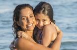 Camila Pitanga planeja Dia das Mães ao lado da filha e garante: 'Antônia é a rainha das surpresas'