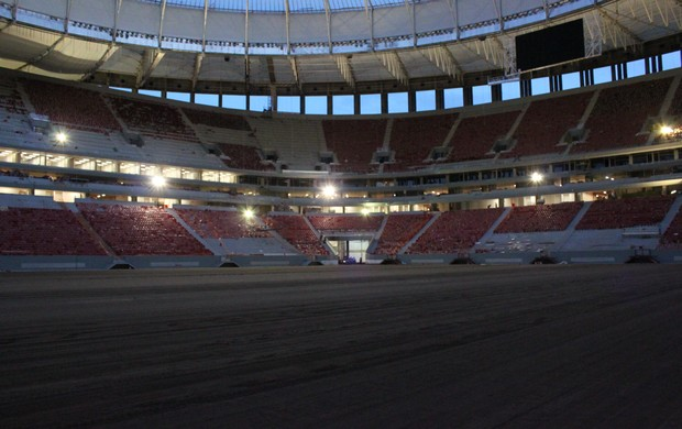 estádio mané garrincha - 27 de abril (Foto: Fabrício Marques / GLOBOESPORTE.COM)
