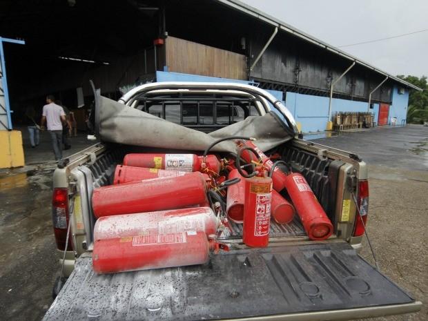 Entre as irregularidades de algumas casas noturnas estavam extintores com prazo de validade vencidos  (Foto: Divulgação)