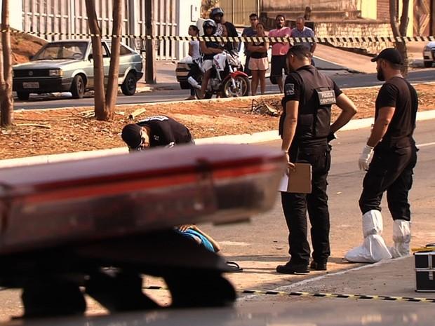 Jovem é morto a tiros ao ir buscar a namorada em curso, diz polícia em Goiás (Foto: Reprodução/TV Anhanguera)