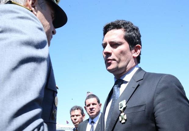 O juiz federal Sérgio Moro é condecorado com a Ordem do Mérito Militar (Foto: Antonio Cruz/Agência Brasil)