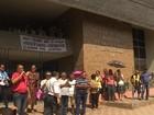Aposentados e pensionistas cobram benefícios atrasados em Ribeirão
