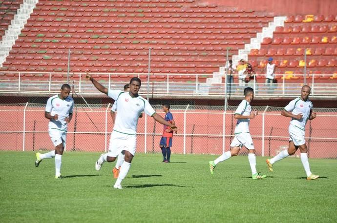 Gol de Max para a Cabofriense x Bonsucesso - Eduardo Guinle (Foto: Andreia Maciel/Cabofriense)